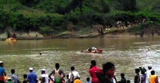 গোয়াইনঘাটে বালু বোঝাই নৌকাডুবিতে ২ জন নিখোঁজ