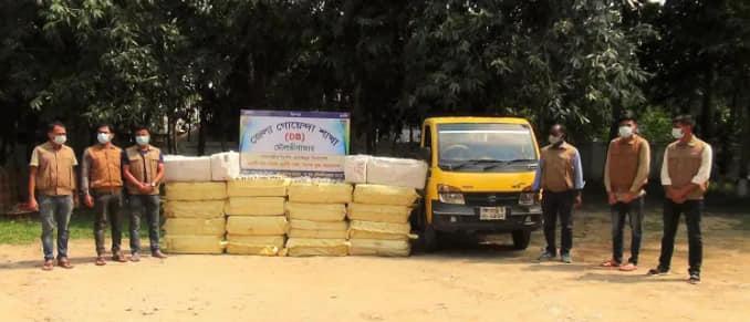 মৌলভীবাজারে ৯৫ লাখ টাকার ভারতীয় চশমা-সানগ্লাস ও পিকআপসহ ১ ব্যক্তি আটক