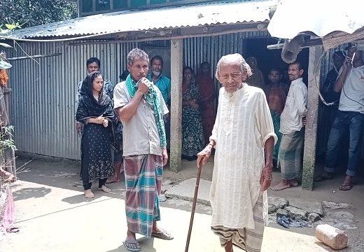 নেত্রকোনার আটপাড়ায় সন্ত্রাসীর হামলায় নারীসহ আহত ৪ জন