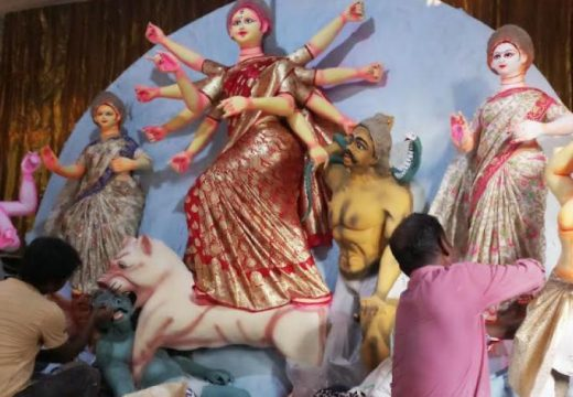 দুর্গাপূজায় বিদ্যুৎতের ভেলকিবাজি বন্ধ চান আয়োজকরা